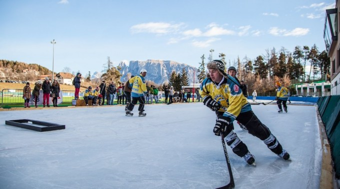 Pond_Hockey_2