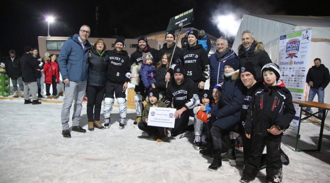 Huskies_Winner_European_Pond_Hockey_Championship_06_01_2018