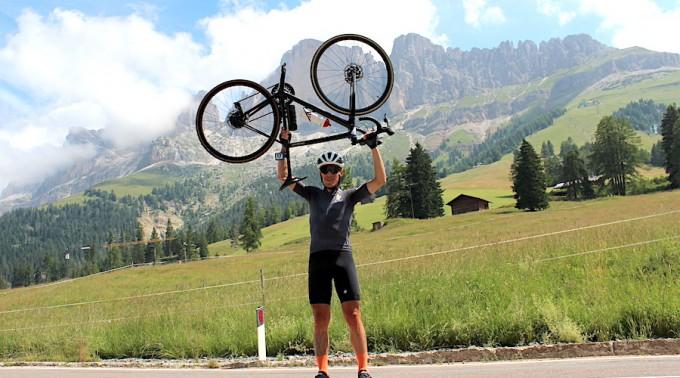 Gschnitzer_Thomas_vincitore_Sieger_Giro_delle_Dolomiti_2021_Credits_hkMedia